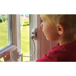 Рошаль призвал власти ввести обязательную установку ограничителей на окнах квартир, где проживают семьи с детьми