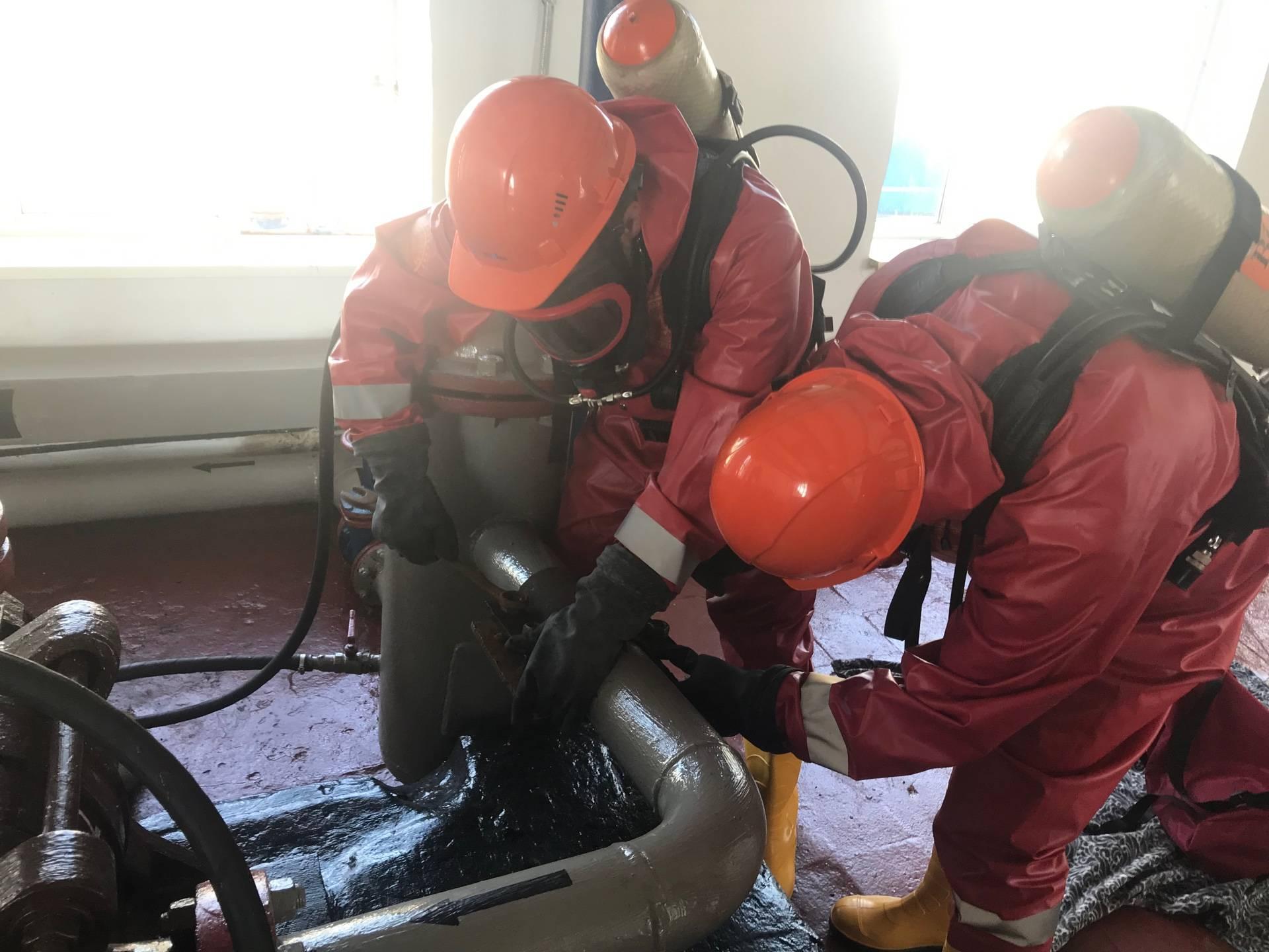 В ПАО «Саратовнефтегаз»состоялись показательные учения аварийно-спасательного формирования