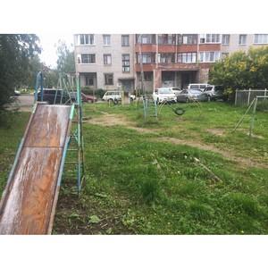 «Молодежка ОНФ» призвала власти Петрозаводска устранить нарушения на детских площадках