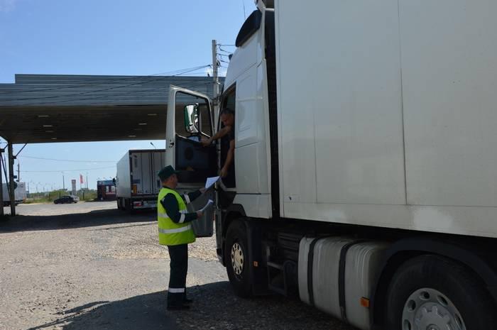 На территории Смоленской области выявлено более 5,3 тыс. тонн товаров, запрещенных к ввозу в РФ