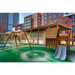 √руппа ѕ—Ќ установила детские площадки Kompan в проектах комфорткласса