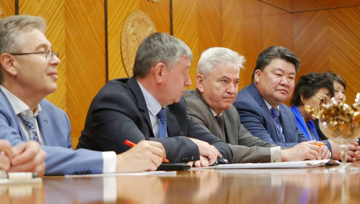 В Улан-Баторе стартовал большой форум выпускников