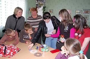 «ОЛВИКА» заботится о детях-сиротах
