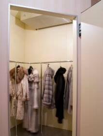 Шкафы и камеры хранения меховых изделий