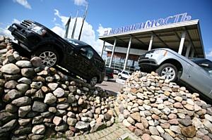 «Независимость Land Rover» - лидер по продажам в 2011 году