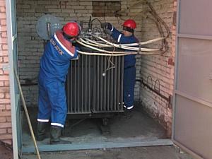«Электрические сети ЕАО» продолжают реконструкцию линий электропередачи в г. Облучье