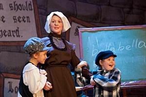 Британский детский театр представил английский мюзикл «Смайк»