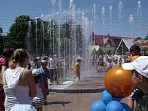 Жителям Тимашевска подарили фонтан