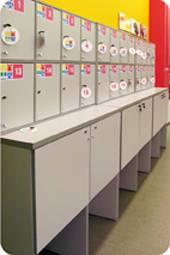 ГК «Витрина» производит широкий ассортимент торговой мебели из ДСП
