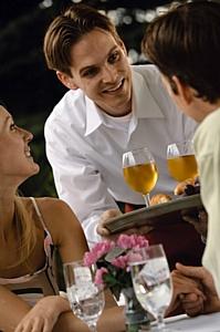 Ресторанный бизнес: зачем официанту английский?