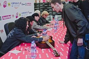 Scorpions попрощались с российскими фанатами в Media Markt в Санкт-Петербурге, Краснодаре и Ростове-на-Дону