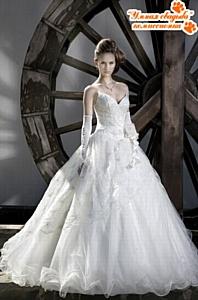 Открылся первый свадебный комиссионный магазин в Москве