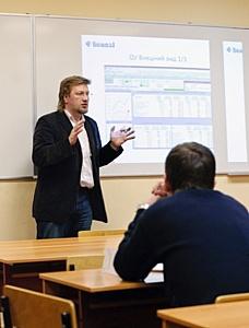 Отчет о семинаре в ИБЭ АНХ: OLAP против ассоциативной архитектуры QlikView