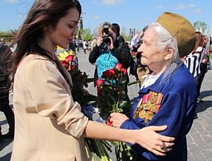 На Поклонной горе прошла акция от AMF, Марины Лизоркиной и звезд эстрады в честь дня Победы