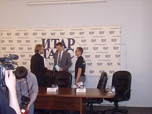 21 июня в помещении «ИТАР-ТАСС» (Санкт-Петербург) состоялась пресс-конференция, посвященная Международному Фестивалю автотюнинга «Active Open Air Show Cars 2010»