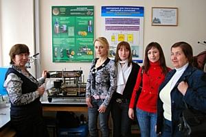 Студенты МГУПП на производстве упаковочного оборудования