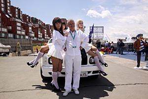 Эксклюзивные автомобили не остались в тени на «Vladivostok Boat Show 2011»