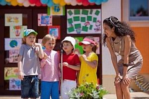 В День защиты детей ученики Британской Международной Школы  спели «Earth Song» Майкла Джексона
