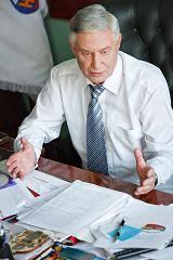 По мнению профсоюзного лидера Л.А. Миронова, крупный бизнес нуждается в государственном управлении