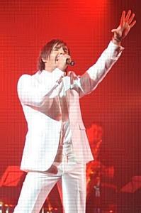 Впервые в Украине прошел большой благотворительный концерт посвященный годовщине памяти Майкла Джексона