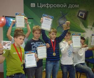 12 медалей - лучшим игрокам