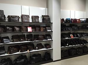 В ТРЦ «Аура» открылся магазин аксессуаров из кожи Claus Schulz