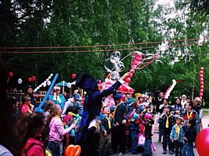 """""""Инмарко"""" и Фонд """"Обнаженные сердца"""" открыли новую детскую площадку в Новосибирске"""