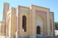 Светлый праздник - в просторной мечети