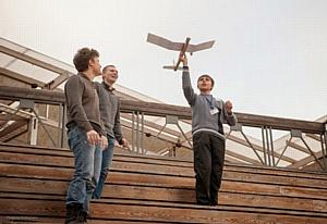 Московские школьники отреагировали на послание президента, пустив в небо собственные самолеты