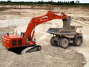 Карьероуправление Савинского цементного завода пополнилось  высокотехнологичным экскаватором Hitachi