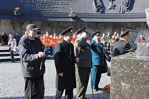«ТаксовичкоФ» стал участником автомарша «Звезда нашей Великой Победы»