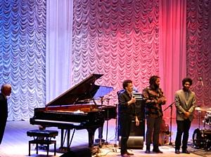 Росбанк выступил генеральным партнером концерта джазового пианиста Жаки Террасcона