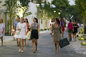 Hotel Magnolia Tivat приглашает на шоппинг в Тиват