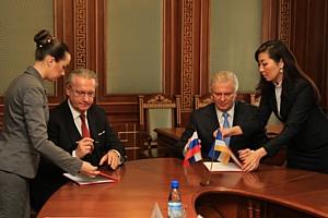 Между ОАО «ХК «Сибцем» и Правительством Республики Бурятия подписано Соглашение о сотрудничестве