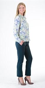 «Синар» представил новую капсульную коллекцию женских костюмов