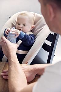 За общим столом вместе с малышом