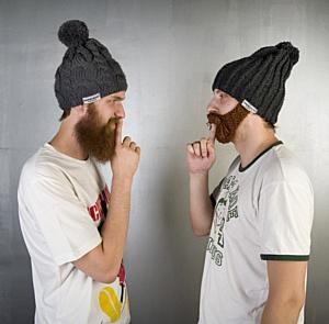 Шапки с бородой – тренд сезона