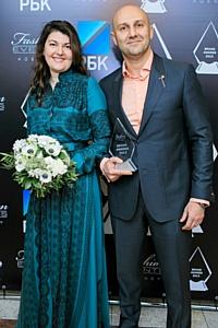 AvroraClinic  получила премию Brand Awards  2013 как лучшая стоматологическая клиника года