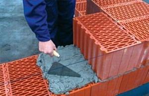 Из чего выгоднее строить: керамические блоки или газобетон?