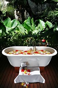 ��� ����� Maia Luxury Resort & Spa ������� ������ �� ������  World Luxury Spa Awards