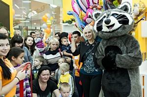 Открытие Трогательного зоопарка «Погладь енота» посетили 700 гостей