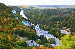 Харьковские ветераны посетили святыни Святогорска