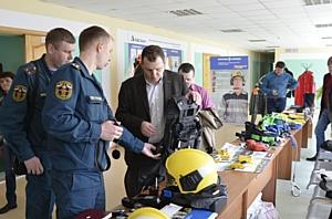 """Производители снаряжения для ликвидации техногенных аварий провели выставку и семинар на """"Азоте"""""""