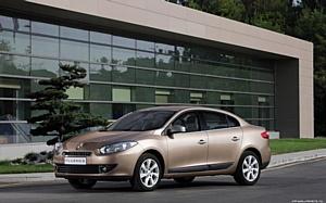 ������� ������ �� Renault Fluence � Megane Hatchback � ���������� ����Ļ