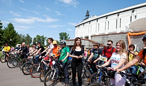 Общероссийский велофлешмоб «Велосипед лучше сигарет!» прошел в Москве.
