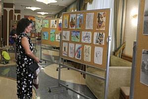 Зеленоградские сотрудники полиции посетили выставку истории служебного собаководства