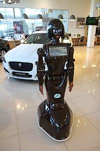Alfa Robotics выпускает улучшенную версию робота-промоутера KIKI