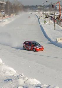 Строительная компания «ЮИТ Московия» поддержала Фестиваль автоспорта «Мороз-2012