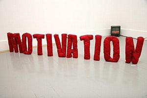 Как найти баланс между материальной и нематериальной мотивацией персонала?