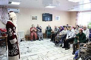 Закончилась акция по сбору подарков для дома престарелых